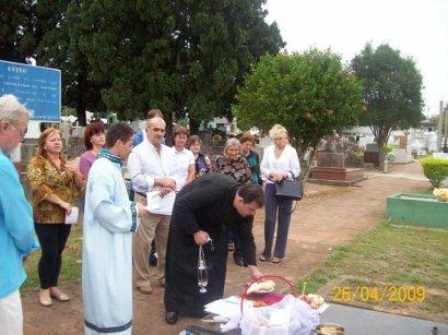 2009-maio-visita-cemiterio (10)