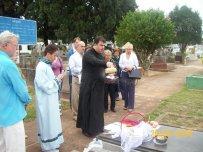 2009-maio-visita-cemiterio (11)