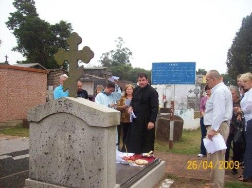 2009-maio-visita-cemiterio (15)