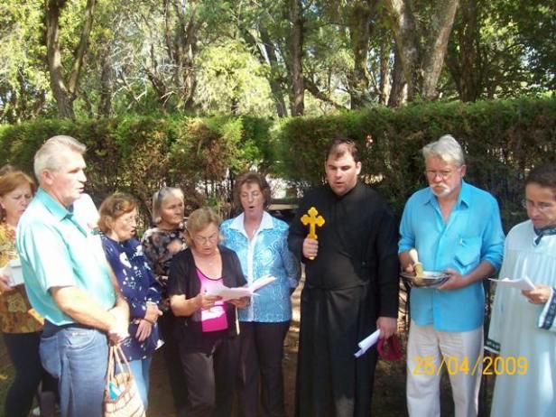2009-maio-visita-cemiterio (5)