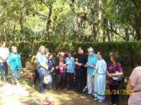 2009-maio-visita-cemiterio (6)