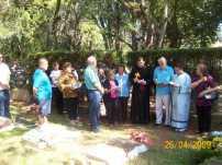 2009-maio-visita-cemiterio (8)